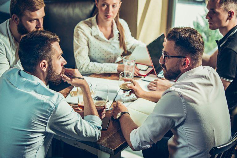 współpraca działu marketingu i sprzedaży